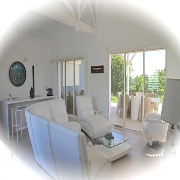 Offres de location Villa Petit-Bourg 97170
